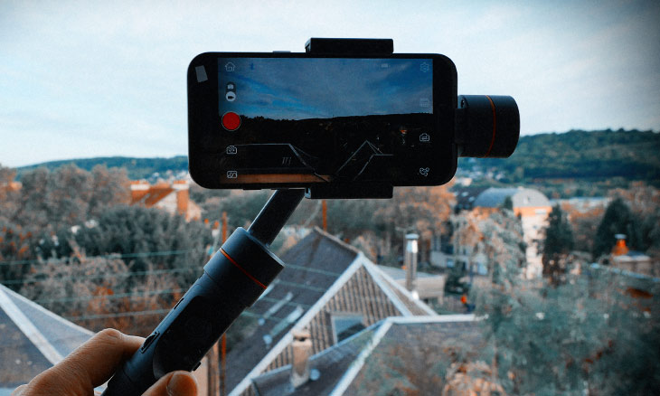Read more about the article Zhiyun Soomth 3 : stabilisateur 3 axes pour smartphones.